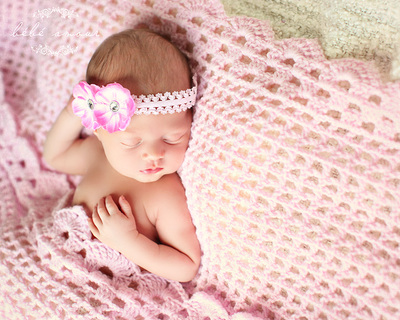 pink knit baby blanket with matching headband